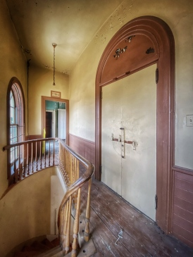 Townhouse Interior, photo by Jason Baker